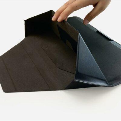 MOFT Carry Sleeve - גם תיק וגם סטנד